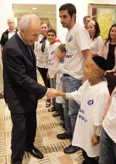 נשיא המדינה שמעון פרס בשטקס פתיחת הקש בדלת